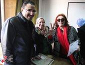 صور.. بعد تحريرها توكيلا للرئيس.. نبيلة عبيد: السيسى رجل الإنجازات