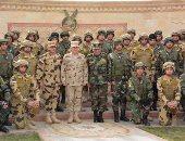 الفريق محمد فريد يلتقى مقاتلى الوحدات الخاصة من الصاعقة والمظلات