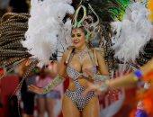 جميلات يرقصن فى شوارع باراجواى احتفالا بالكرنفال السنوى