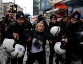 صور.. تركيا تعتقل متظاهرين احتجوا على العمليات العسكرية بعفرين السورية