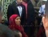 تداول فيديو لأول مأذونة فى أسيوط أثناء عقد قران عروسين بأحد المساجد
