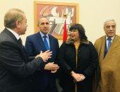 صور.. إيناس عبد الدايم تلتقى وزير ثقافة الجزائر استعدادا لافتتاح معرض الكتاب