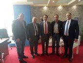 صور .. رئيس هيئة الكتاب يستقبل مدير معرض أبو ظبى