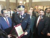 صور .. مدير أمن الإسكندرية يكرم أسر الشهداء فى نادى الشرطة