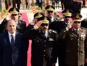 محافظ الإسكندرية يشارك فى وضع إكليل الزهور على النصب التذكارى للشرطة