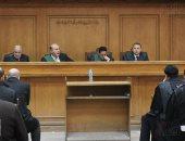 """تأجيل إعادة محاكمة متهم بحرق سيارة شرطة بأحداث """"حدائق حلوان"""" لـ8 يوليو"""