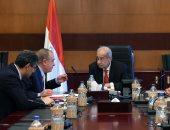 صور.. بدء لقاء رئيس الوزراء بوزير التنمية المحلية لمتابعة عدد من الملفات
