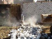 صور.. إزالة 6 حالات تعدى على الأراضى الزراعية وحملة نظافة بسوهاج