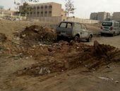 قارئ يطالب بردم حفرة لإصلاح مواسير المياه بشارع واحد فى القطامية