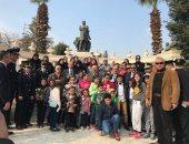 صور.. مساعد وزير الداخلية يستقبل أسر شهداء الشرطة بالورود فى المتحف المصرى
