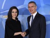 صور.. الأمين العام للناتو يستقبل أنجلينا جولى بمقر الحلف فى بروكسل