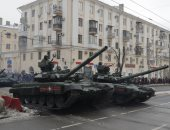 تدريبات عسكرية روسية قرب موسكو.. والدبابات تنطلق وسط الأحياء