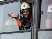 مصرع 6 عمال منجم إثر إلقاء قنابل مولوتوف على حافلتهم بجنوب أفريقيا