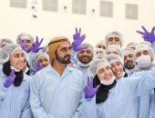 ولى عهد دبى عن صورة والده مع فريق عمل القمر الصناعى الإماراتى: هذه قصتنا