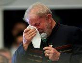 صور.. بكاء الرئيس البرازيلى الأسبق أمام الجمهور فى ذكرى وفاة زوجته