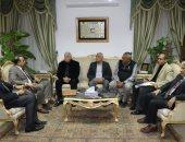 محافظ جنوب سيناء يبحث إقامة محطة تمويل سيارات بالغاز فى شرم الشيخ