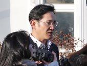 صور.. إطلاق سراح وريث سامسونج فى كوريا الجنوبية