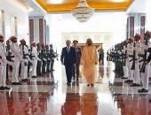 صفحة الرئيس تنشر صور مراسم استقبال السيسي فى دولة الإمارات