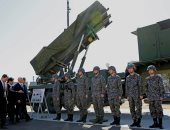 اليابان تخطط لتطوير صواريخ متوسطة وبعيدة المدى لتعزيز قدراتها الدفاعية