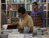 إقبال كثيف من المواطنين على معرض الكتاب فى يومه الـ12