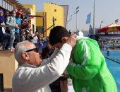 فيديو وصور.. محافظ بور سعيد يكرم الفائزين بالبطولة المفتوحة لبراعم السباحة