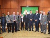 رئيس جامعة المنوفية يستقبل وفدا من نقابة الأطباء