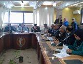 رئيس مدينة منوف لموظفيه :الأوراق الرسمية المعيار وليس الهوا الشخصى لخدمة المواطن