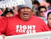 """صور.. عمال """"ماكدونالدز"""" فى لوس أنجلوس يضربون عن العمل لتحسين أوضاع عملهم"""