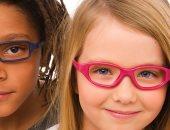 دموع وزغللة.. علامات بتقولك طفلك محتاجة نظارة طبية
