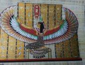 فنان يسجل العادات الفرعونية على ورق البردى بصورة طبق الأصل