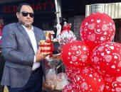 """فيديو وصور.. """"شاورمة حُبِنا"""" ييبيعها محل فى بورسعيد بمناسبة يوم الفلانتين"""