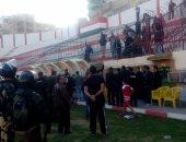 شاهد.. الأمن يفض اشتباكات لاعبى كفر الشيخ وجمهوره بعد هزيمة البلدية