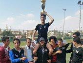 حماده صدقى والشناوى وفكرى يسلمون كأس بطولة بريطانيا للمدارس المصرية