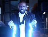 بعد طول غياب.. البطل الخارق Black Lightning يعود مجدداً لمحاربة الجريمة