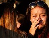 صور.. بكاء وحزن أهالى ضحايا حادث إطلاق النار بمدرسة فلوريدا بعد توديع ذويهم