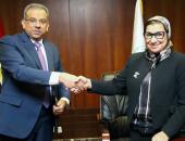 البريد والبنك الأهلى المتحد يوقعان بروتوكول تعاون لتنظيم الخدمات المالية