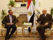 الأهلى يعرض تصور لتطوير منشآت النادى على محافظ القاهرة