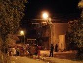 صور.. غرق شارع بقرية المعصرة فى الداخلة بسبب انفجار ماسورة مياه رئيسية