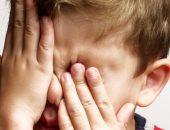 كيف تتصرف إذا دخلت أى مادة غريبة فى عين طفلك؟