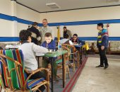 قارئ يشارك بصور مشاركة ابنه ببطولة دورى الشطرنج ويؤكد: أصغر لاعب فى مصر