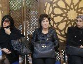 فيفى عبده ولبلبة والليثى أول النجوم المتوافدين على عزاء على أبو شادى (فيديو وصور)