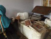 صور.. ضبط لحوم فاسدة بسيارت منافذ البيع المتحركة بميدان المطرية بالقاهرة