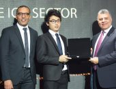 "OPPO تحصد جائزة ""الشركة الأسرع نموًا بحجم الأعمال"" فى احتفالية bt100"
