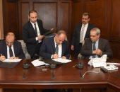 محافظ الإسكندرية يوقع بروتوكول لتوصيل الغاز الطبيعى لـ180 ألف وحدة بـ2018