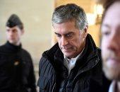 صور.. وصول وزير ميزانية فرنسا السابق للمحكمة بعد الحكم عليه بالسجن 3 سنوات