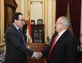 رئيس جامعة القاهرة يلتقى سفير فرنسا لبحث التعاون مع الجامعات الفرنسية
