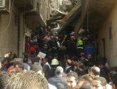 مصدر بالدفاع المدنى: استخراج 3 جثث من تحت أنقاض عقار منشأة ناصر المنهار