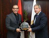 اليوم السابع وبيزنس توداى تكرمان وزير الشباب بعد إطلاقه صندوق دعم الرياضة