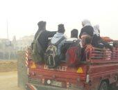صور.. سيارة ربع نقل تنقل طلاب فى شارع التسعين بالتجمع الخامس