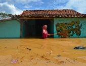 فيضانات وانهيارات طينية تغرق مئات البيوت بإندونيسيا